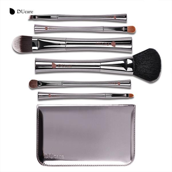 Ducare Makeup Brush Set de lujo Pony Hair Goat Hair Kit de herramientas de maquillaje súper suave Maquillaje Brush Set con caja