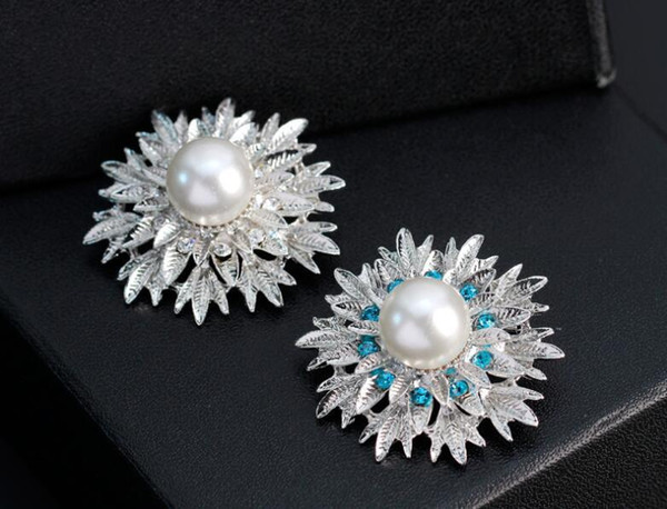 Luxury Silver Leaf Flower brooches Big Pearl Crystal Brooches Pins Corsage Breastpin for Man Women Wedding Jewelry Gift