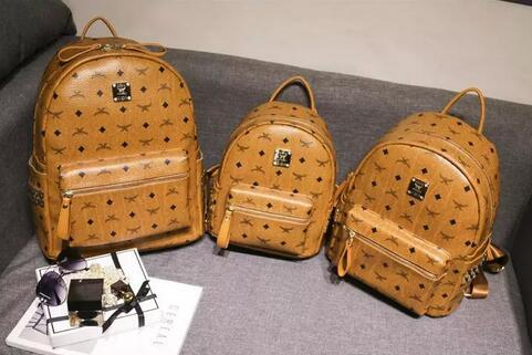 top popular Newset Hot Summer Fashion Women School Bags Hot Punk style Men Backpack Backpack Leather Lady Bags 2020