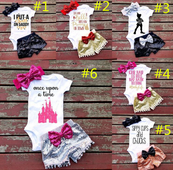 Baby girl INS letras mamelucos traje 7 Estilo niños manga corta triángulo mamelucos + paillette shorts + bowknot Hair band 3pcs establece la ropa