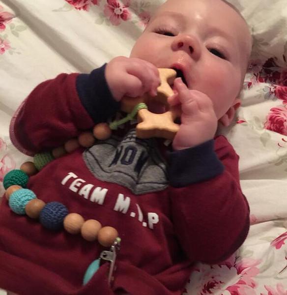 3 pcs Por Lote Venda Vermelho Verde Azul Amarelo Cor Crochet Beads New Born Bebê Chupeta Clipe Manequim Titular Natural