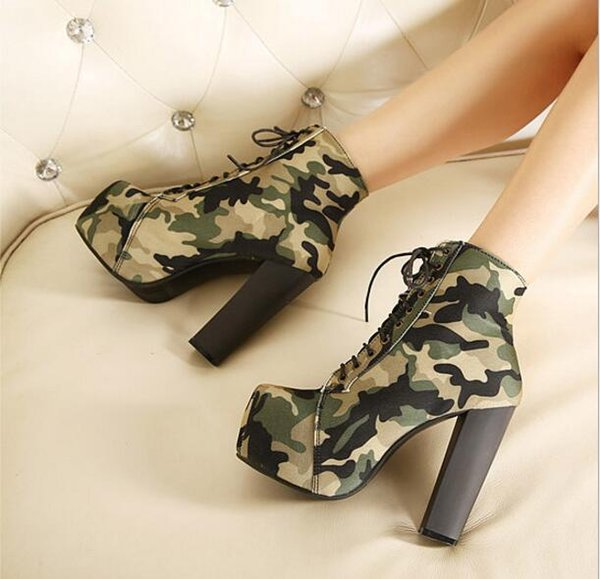 Fashion Camouflage Platform Boots 2018 Women Square Toe Lace Up 14cm Bottom High Heels Boots Autumn Women Shoes Army Boots