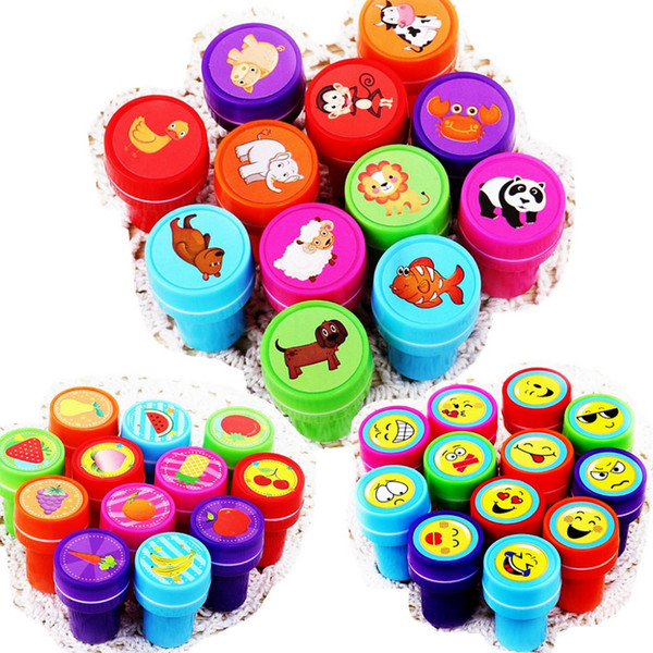 Wholesale- 12pc / Lot Bambini Cartoon Stamp Children gomma plastica personalizzata auto inchiostrazione Stampers giocattoli
