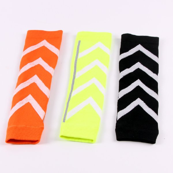 1Pair Night Run Fluorescent Basketball Football Leg Shin Guards Soccer Protective Calf Sleeves Cycling Fitness calcetines Compresion Running