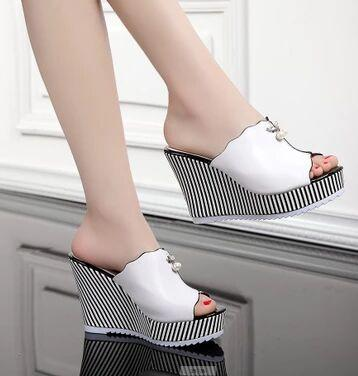 New Arrival Hot Sale Specials Super Influx Banquet Summer Princess Bohemian Shiny Diamond Summer Drill Beads Party Wedge Slippers EU34-39