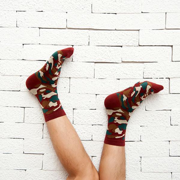 2017 medio calcetines de los hombres de las señoras de camuflaje deportes casual otoño e invierno calcetines de algodón traje de los hombres medias elásticas