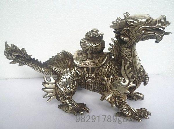 Statues de dragon en argent tibétain