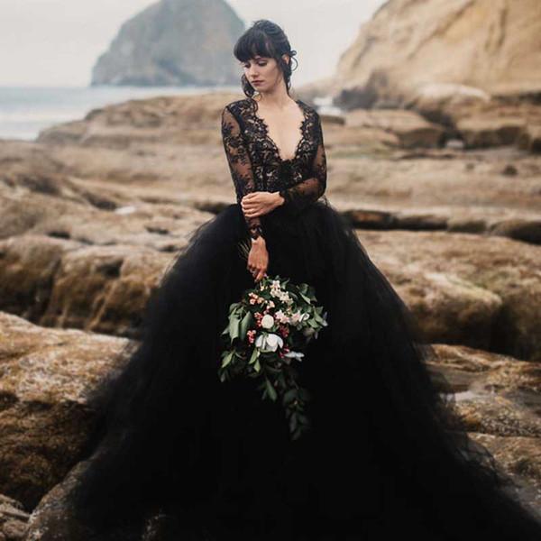 Compre Vestido De Novia Negro 2019 En La Playa Vestido De Novia Negro Con Cuello En V Ilusión Manga Larga Top De Encaje Falda De Tul Vestidos De Novia