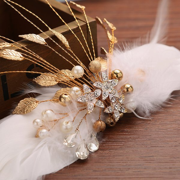 Free Shipping Gold Feather Hair Clips For Brides Wedding Party Occasions White Color Hair clips Headpiece Accessory Wholesale
