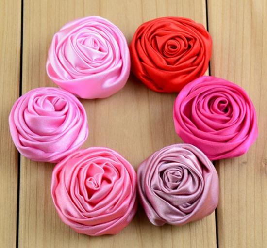 Mini 3D Saten Haddelenmiş Rozet çiçek, şerit gül çiçek, Çocuklar Için Butik DIY Saten Gül Çiçekler Bebek Kız Düğün Saç Aksesuarları