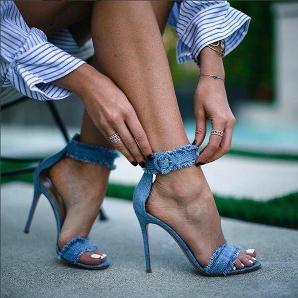 Fashion Summer Denim Sandals Women Block High Heels Cowboy Open Toe Chunky Heels Buckle Strap Fashion Design Chaussures Femmes