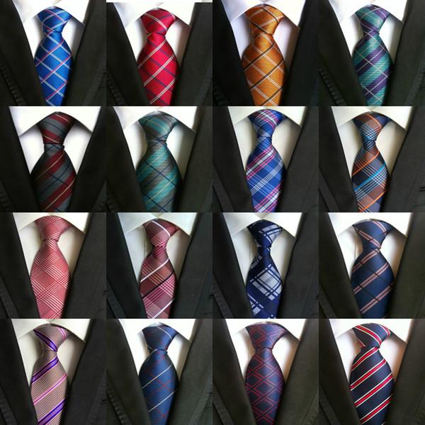295 Estilos 8 cm Hombres Corbatas Corbata de seda Corbatas para hombre Boda hecha a mano de oro Paisley Corbata Estilo británico Lazos comerciales Raya
