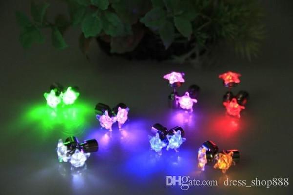 LED light LED flash earrings strange new Korean manufacturers spot wholesale Hearts and Arrows four feet