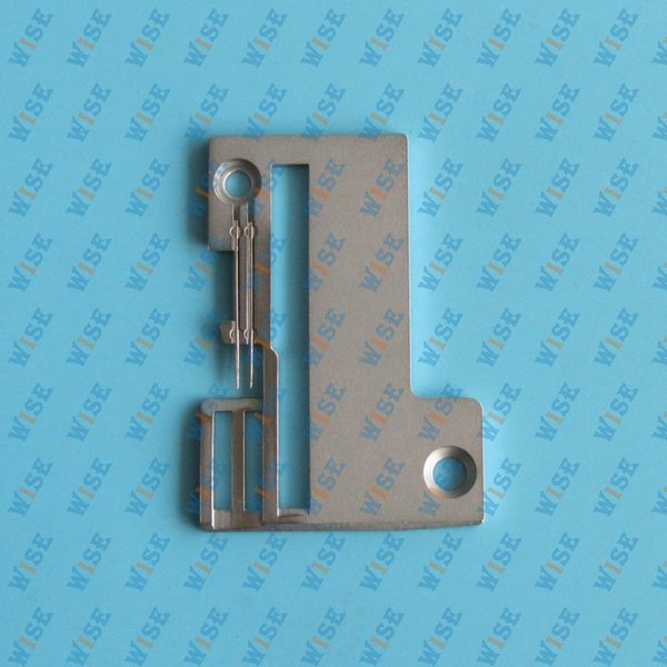 #754005003=141000336 1pcs Serger White 1500,1600,1634, Necchi S3010 Needle Plate sewing machine parts for domestic sewing machines.