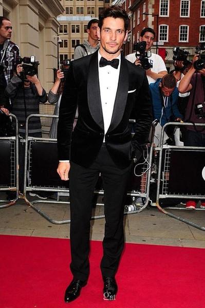 Moda novio esmoquin padrinos de boda terciopelo negro chal solapa mejor traje de hombre boda trajes de chaqueta de los hombres (chaqueta + pantalones + corbata) K310