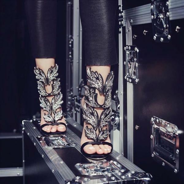 Strass Angel Wings Stiletto Lady Tacchi alti Sandali Platform Wedge Roma Style Progettato pumps Party Dress Shoes Tacchi a foglia Sandali Scarpe