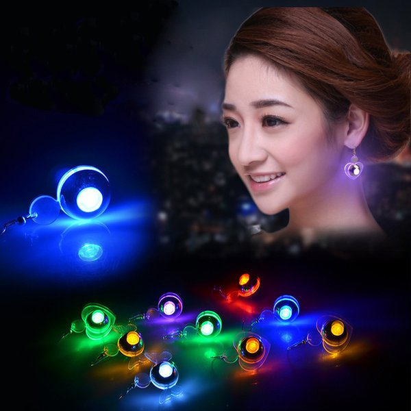 Nuevos LED Pendientes Light Up Love Heart Forma redonda Bling Ear Studs Pendiente Dance Party Christmas gift