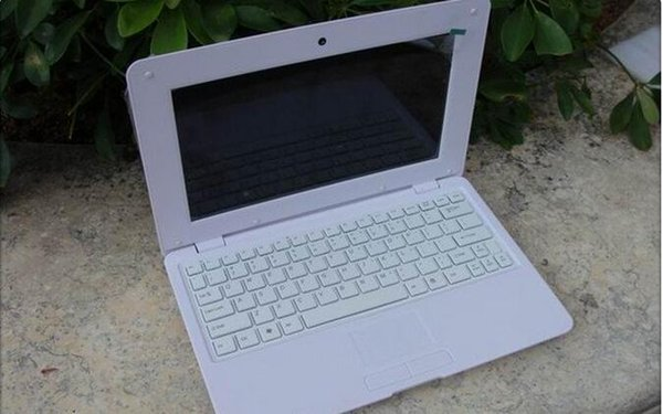 10 inch screen size computer netbook laptop 512ram memory and built in 8gb action CPU quad core