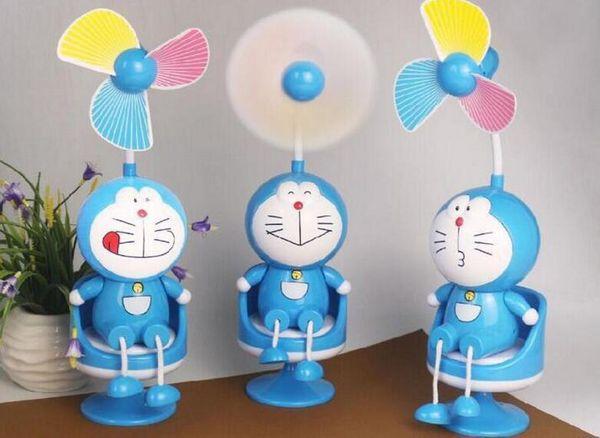 Bir kanepe üzerinde küçük fan gece lambası ile yaratıcı karikatür taşınabilir bir Jingle kediler KT kedi USB daha masaüstü f ...