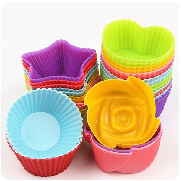 Baking necessary Round Heart Flowers Star Shaped Silicone Cake Mold Muffin Cups Soap Mold Pudding Jelly molds (Color in Random)