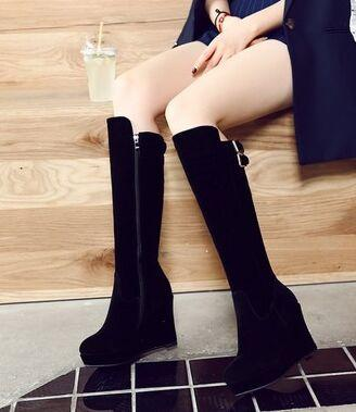 Wholesale New Arrival Hot Sale Specials Influx Warm Martin Suede Noble Knight Belt Buckle Show Elegant Slope Wedge Boots EU34-39