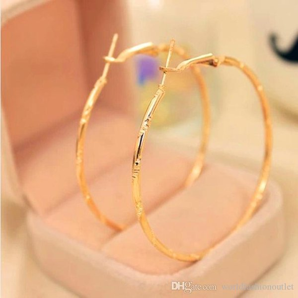 top popular Charm Ear Stud Earings Fashion Jewelry Accessories Earing Hoop Huggie Circle Earrings Golden Silver Plated Ear Acc Eardrop Jewellry Free DHL 2019