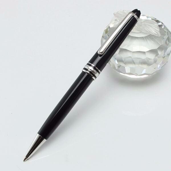 قلم حبر جاف فضي