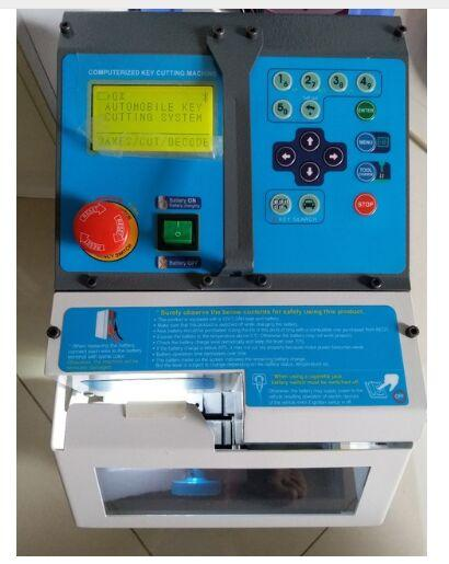 DHL frete shiping Auto Locksmith Ferramenta CNC máquina de corte de chave automático mesmo que Milagre A9 Máquina de Corte Chave versão Em Inglês