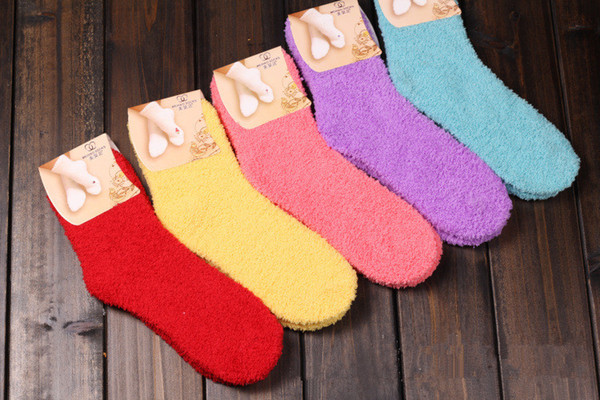 best selling New Fashion Furry Soft Warm Socks ,winter Candy Solid Color Thicken Coral Fleece Non-slip Fluffy Ankle Floor Towel