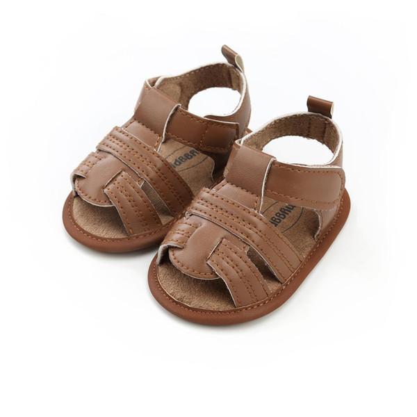 Kahverengi erkek sandalet 2018 yaz yeni moda bebek çocuklar rahat yürümeye başlayan ayakkabı yenidoğan bebek içi boş havalandırma sandalet erkek ayakkabı.