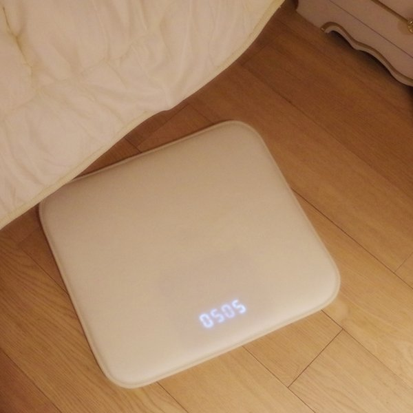 Pressure Sensitive Rug Carpet Alarm Clock LED Smart Digital Alarm Clock Electronic Watch Nixie For Kids Heavy Sleeper Home