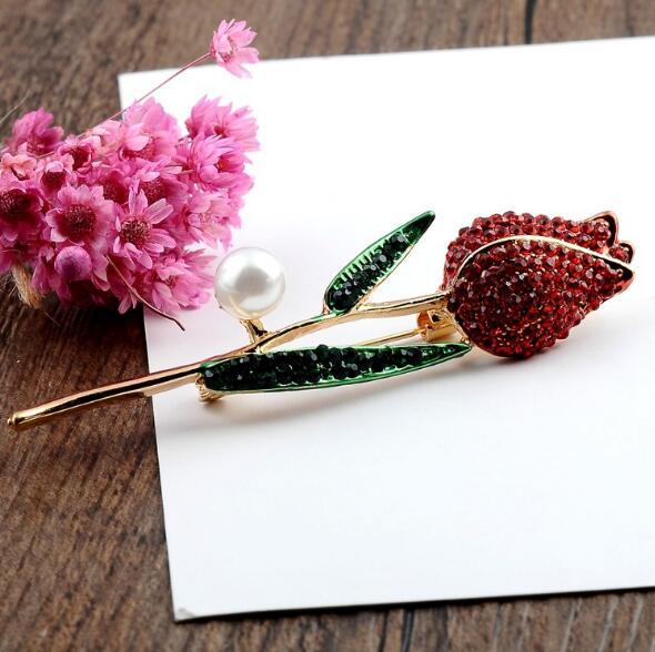 New Fashion Red Crystal Rose Flower Brooch Pins Rhinestone Enamel Pearl Scarf Clips For Women Costume Lapel Pins Accessories
