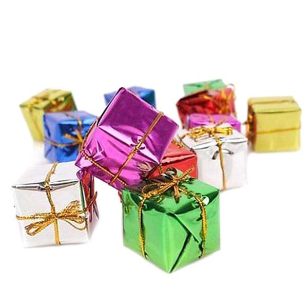 6pcs / pack 4/5/6 / 8cm Arbre de Noël Arbre Ornement Mix Couleur Mini Coffret Cadeau Arbre De Noël Nouvel An Décorations En Gros