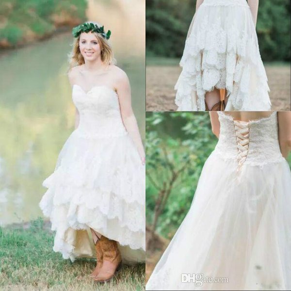 Vintage Plus Size Sweetheart Front Short Back Long Country Wedding Dresses Tiered Lace Lace Up Bridal Gowns Outdoor Garden Beach Wedding