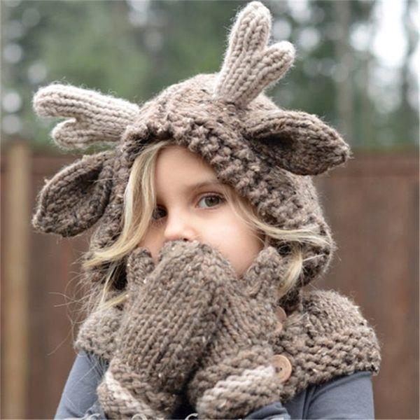 Cappello invernale in lana per bambini Cappello alce in lana con cappuccio Sciarpe Guanti 3 in 1 Set di cervi natalizi Cappellini caldi per maglieria regalo Elk Crocket Beanie per ragazzi