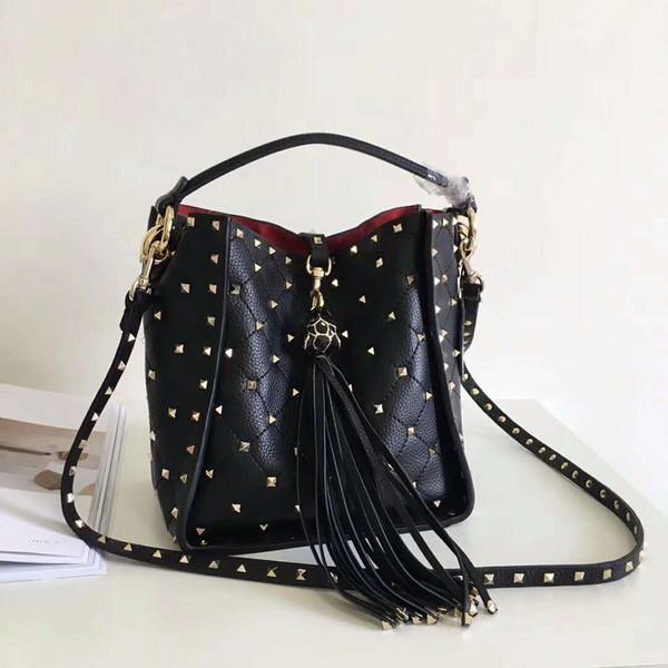 European Style Genuine Cow Leather High Fashion Shoulder Handbag Diamond Lattice Animal Head Rivet Full Starts Totes Small Bag 20cm