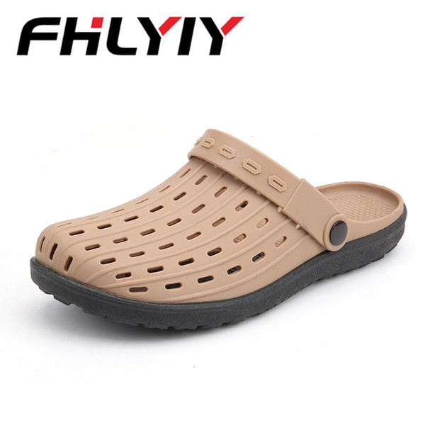 New Fashion Men Summer Sandals Light Comfortable Flats Loafers 2018 New Leisure Hole Men Shoes Beach Sandals Water Shoes Slipper