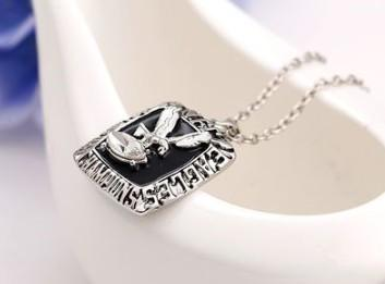 New arrival jewelry 1980 Eagle championship necklace pendant for girl gift fans souvenir