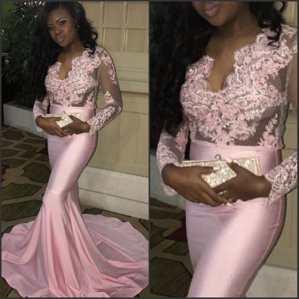 Scalloped apliques de encaje de seda como el satén vestido de sirena de manga larga vestido de noche rosa vestidos largos