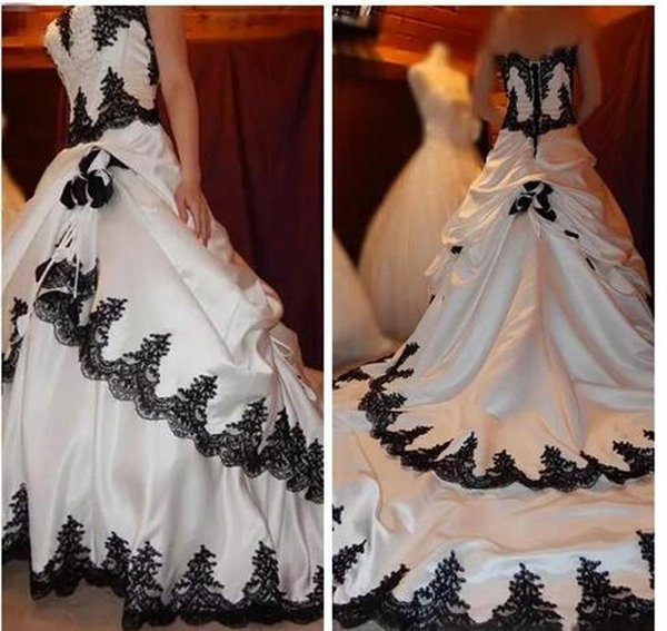 Vintage 2018 Black And White Wedding Dressses With Lace Appliques Beading Hand Made Flowers Long Bridal Gowns Custom Made China EN1112