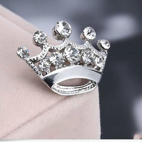 Hot Selling Low Price Silver Tone Clear Crystal Pins Small Crown Pin Brooches Cute Alloy Women Collar Pins Wedding Bridal Jewelry Brooch