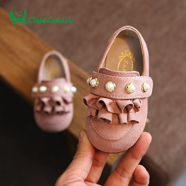 Großhandel Claladoudou 12 14CM Baby Schuhe Rosa Wildleder Cute Lace Kinder Mädchen Walker Princess Pearls Grün Infant Flats Braun Kleinkind Mädchen