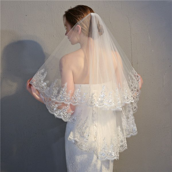 Mrs Win Lace Edge Wedding Short Veil With Comb Two-layer Appliqued Women Elbow Length Voile De Mariee Pure White Velo Sposa
