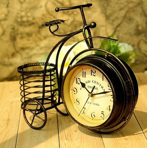 Wrought iron bicycle table clock Rural double-sided quiet home sitting room Decorative Table Clocks Home Decor 28*24*8cm
