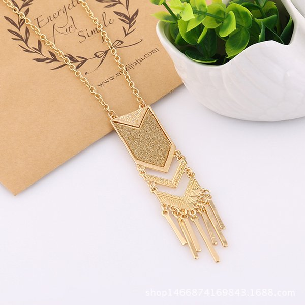 Explosion models Europe and the United States wind jewelry geometric alloy stickers gold paper silver paper long sweater chain LX