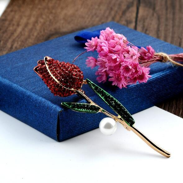Wholesale Charm Rose Flower Brooch Pins Crystal Pearl Enamel Plant Corsage Scarf Clips Women Costume Accessories Jewelry