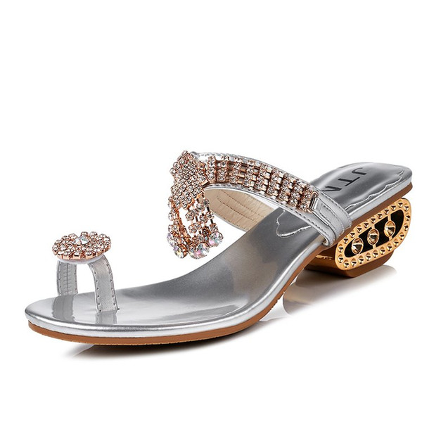 2018 De luxe D'été Femmes Sandales Strass Flip Flop Dames De Mode Pantoufle De Plage Or Argent Dames Élégantes Thong Chaussures