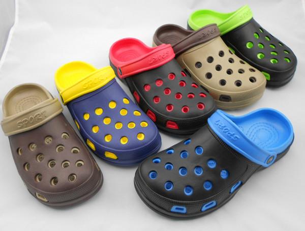 Ücretsiz kargo 2018 Erkekler Yaz Terlik Moda Plaj Sandalet Casual Flats Delik Ayakkabı Kayma Erkekler Hollow Artı Çift Sandalet Katırlar Takunya
