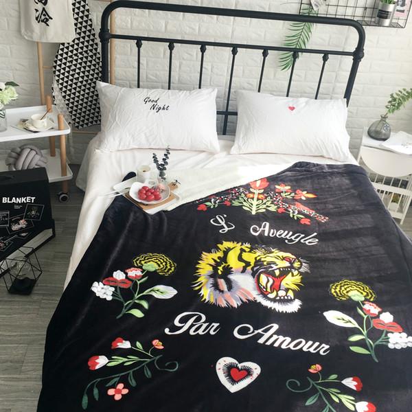 Marca de moda de alta qualidade impressão 3D cabeça de tigre e padrão de cobra cobertores de flanela Ar condicionado Cobertor sofá ao ar livre tapete abafado