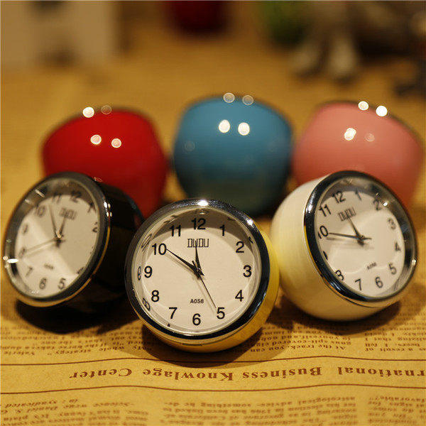 TUDA Free Shipping 2.5 Inch Fashion Exquisite Mini Table Clock Multicolor Optional Circular Metal Table Clock Needle Desk